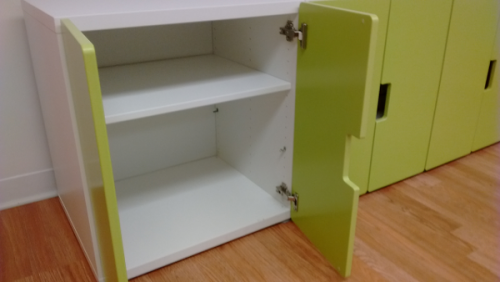 green cabinets 2/2